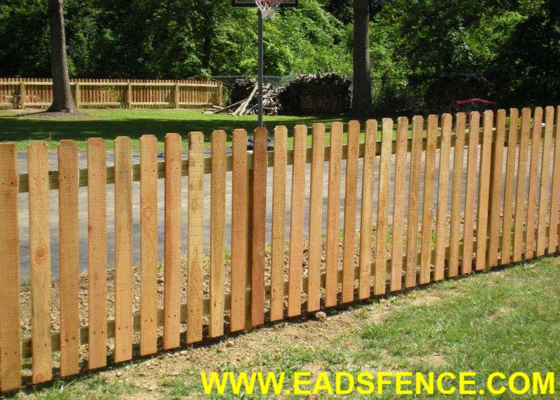 Show products in category Wood Picket Fences