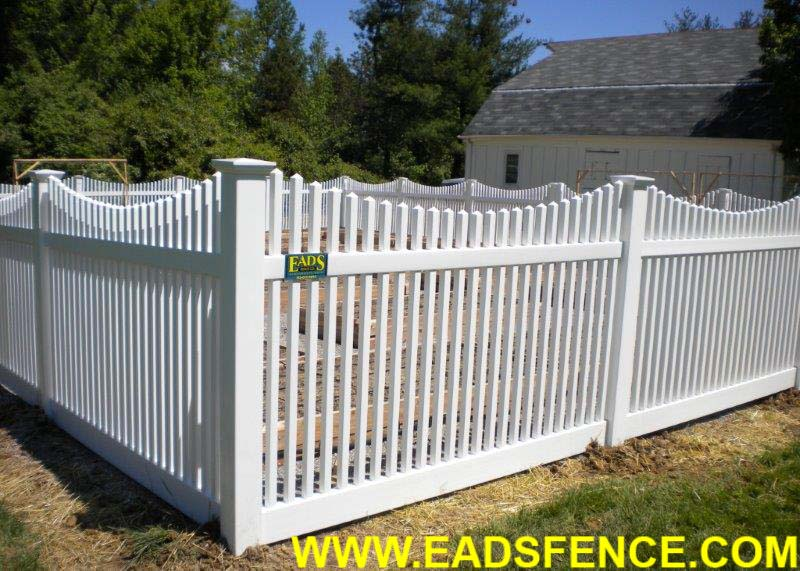 Show products in category Vinyl Picket Fences