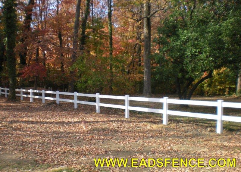 Ohio Fence Company | Eads Fence Co.. Vinyl Ranch Rail Photo Gallery
