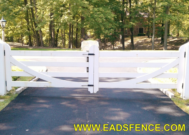 Ohio Fence Company | Eads Fence Co.. Ornamental Wood Estate Gates